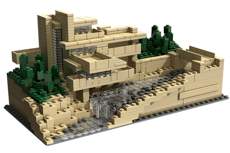 Lego_Fallingwater-2