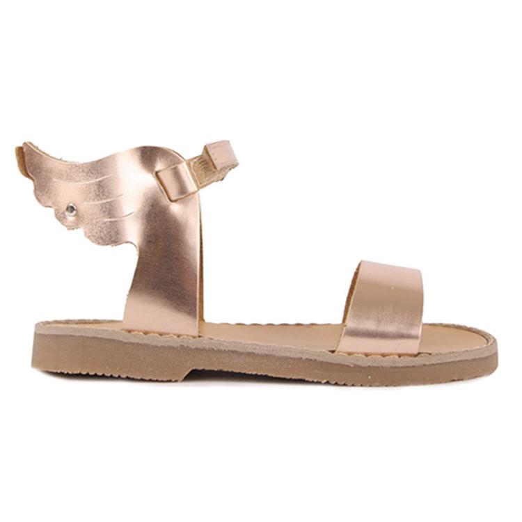 sandales-plates-folk-ailes-baby-walker